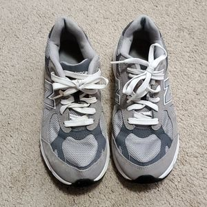 New Balance sneakers size 6
